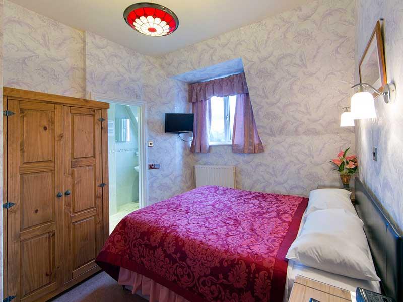 room-5-800x600